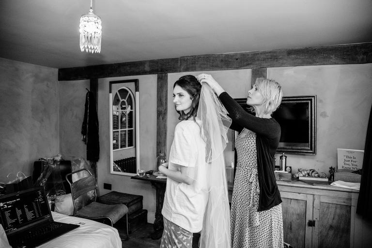 bridal-preparations-at-the-bell-inn-ticehurst-1
